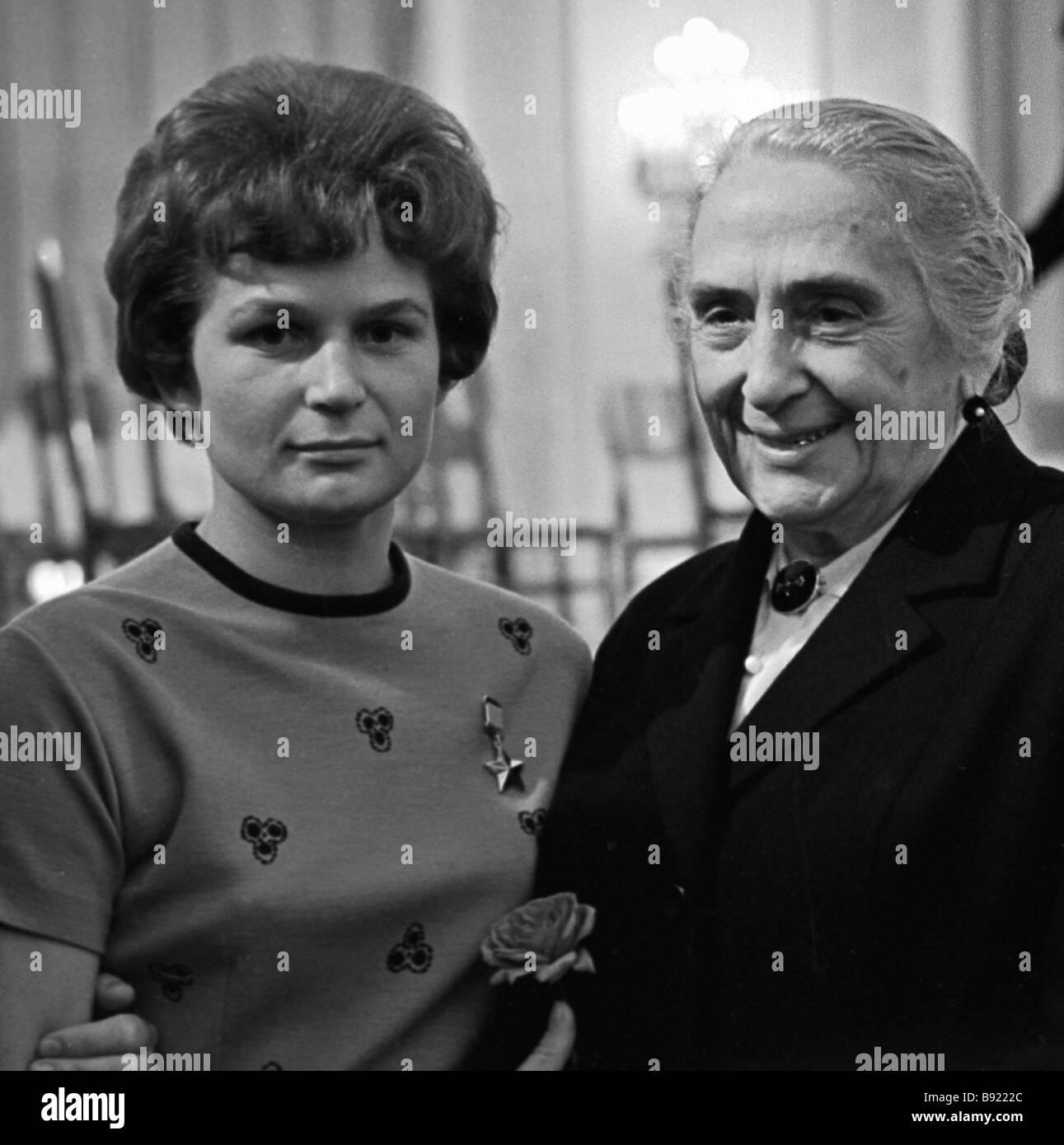 Cosmonaut Valentina Nikolayeva Tereshkova left and Dolores Ibarruri at the reception in honor of participants of - Stock Image