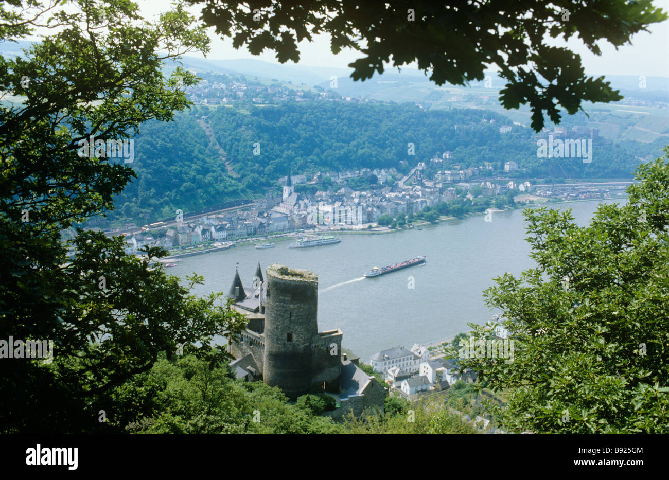 Burg Katz with St Goar beyond on the Rhine, the castle of the cat, not far away is Burg Maus -The castle of the - Stock Image