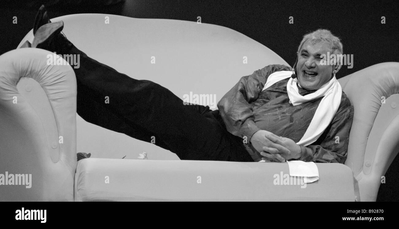 Actor Nikolai Fomenko in the musical show Happiness Buro - Stock Image