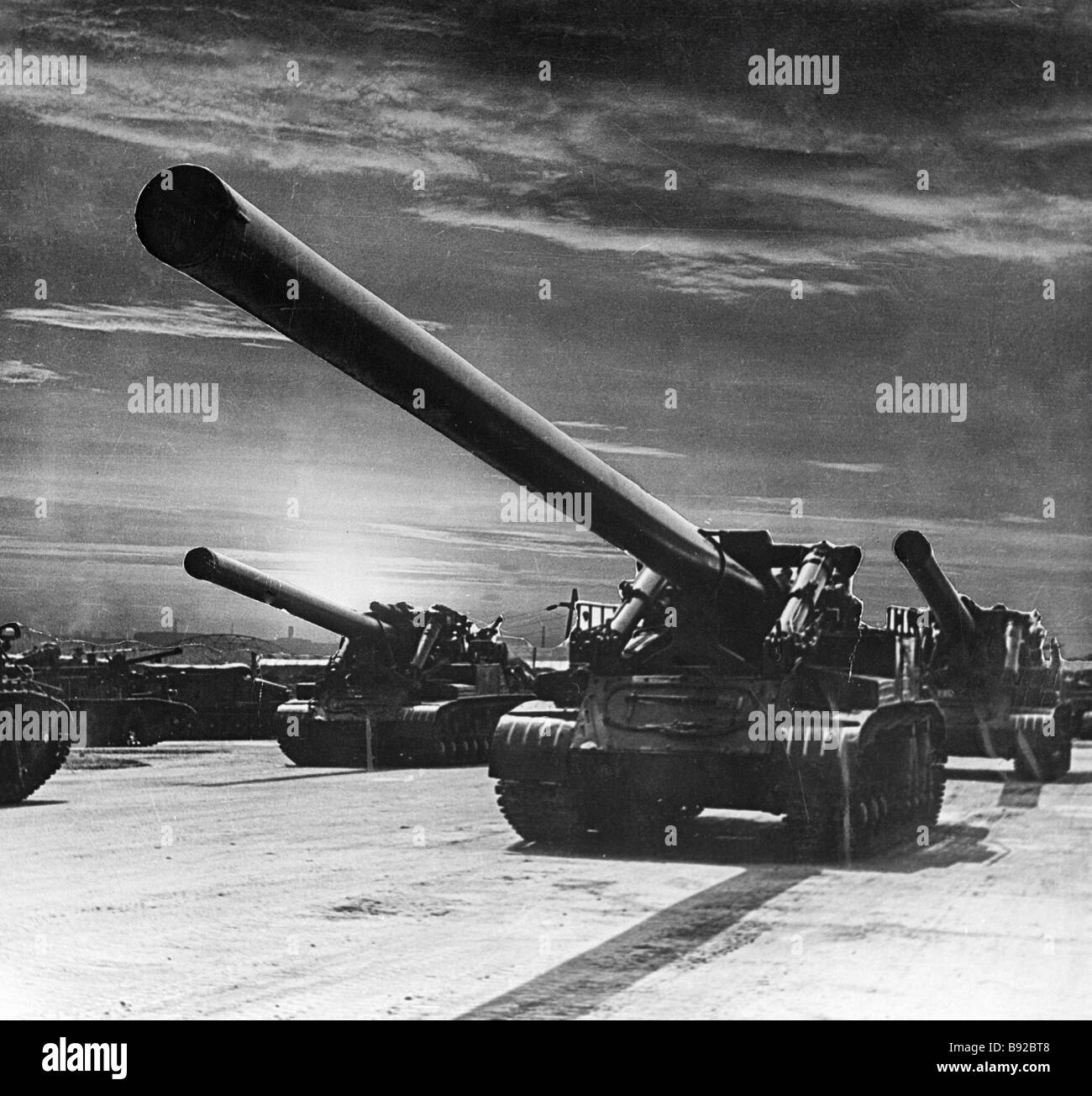 Heavy artillery on march - Stock Image