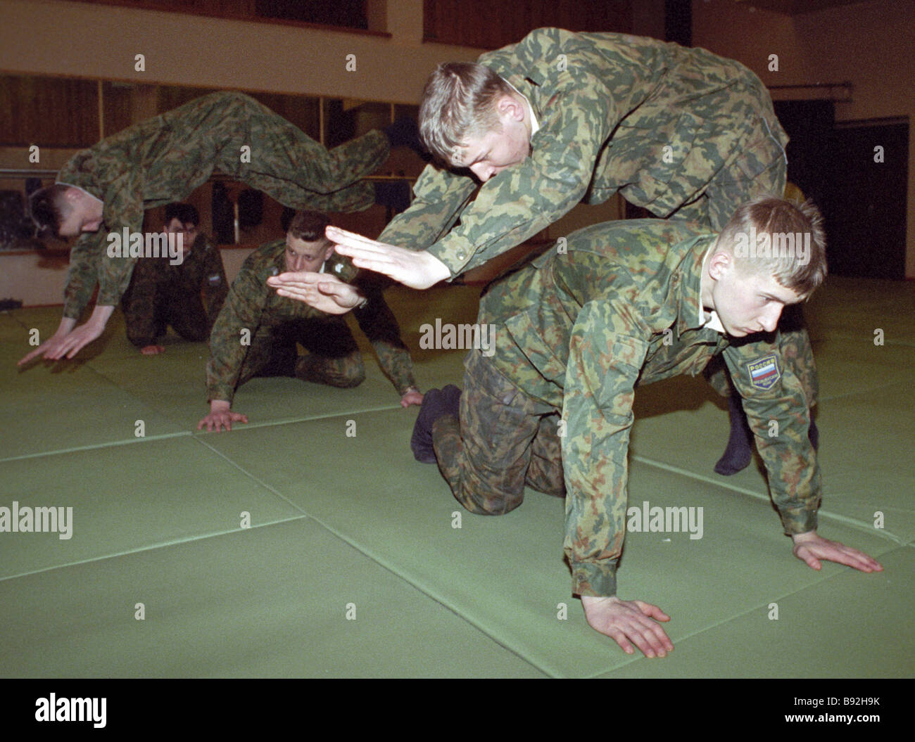 Soldiers of Presidential Regiment practice unarmed combat - Stock Image
