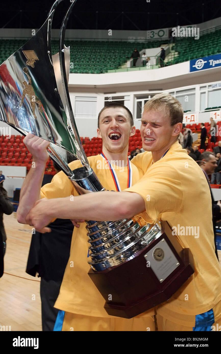 Khimki Moscow Region won CSKA Moscow 85 67 in a Russia Cup basketball match in Kazan Vitaly Fridzon and Anton Ponkrashov - Stock Image