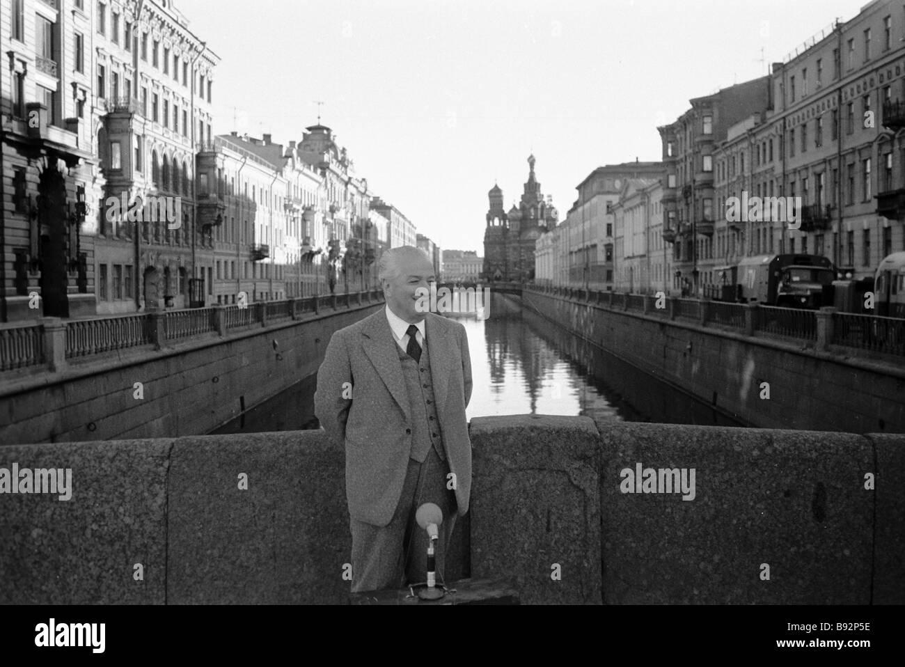 Theorist of literature Irakly Andronikov in a Leningrad street - Stock Image