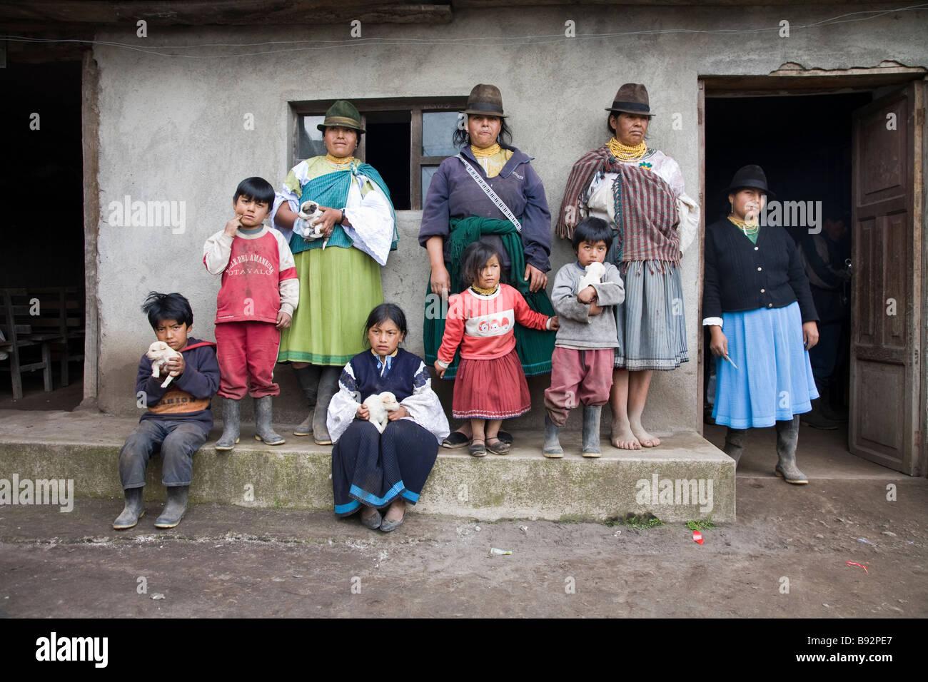 Indigenous Quichua family, San Pablo Lake area, Otavalo Province, Ecuador - Stock Image