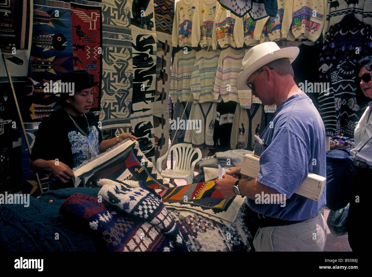 Ecuadoran man, adult man, vendor, Otavalo Market, Indian market, Plaza de Ponchos, town of Otavalo, Imbabura Province, - Stock Image