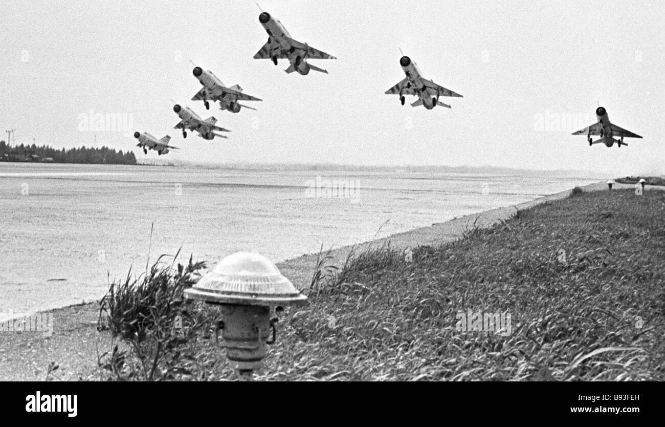 6 MiG 21 airplanes go on a training mission - Stock Image