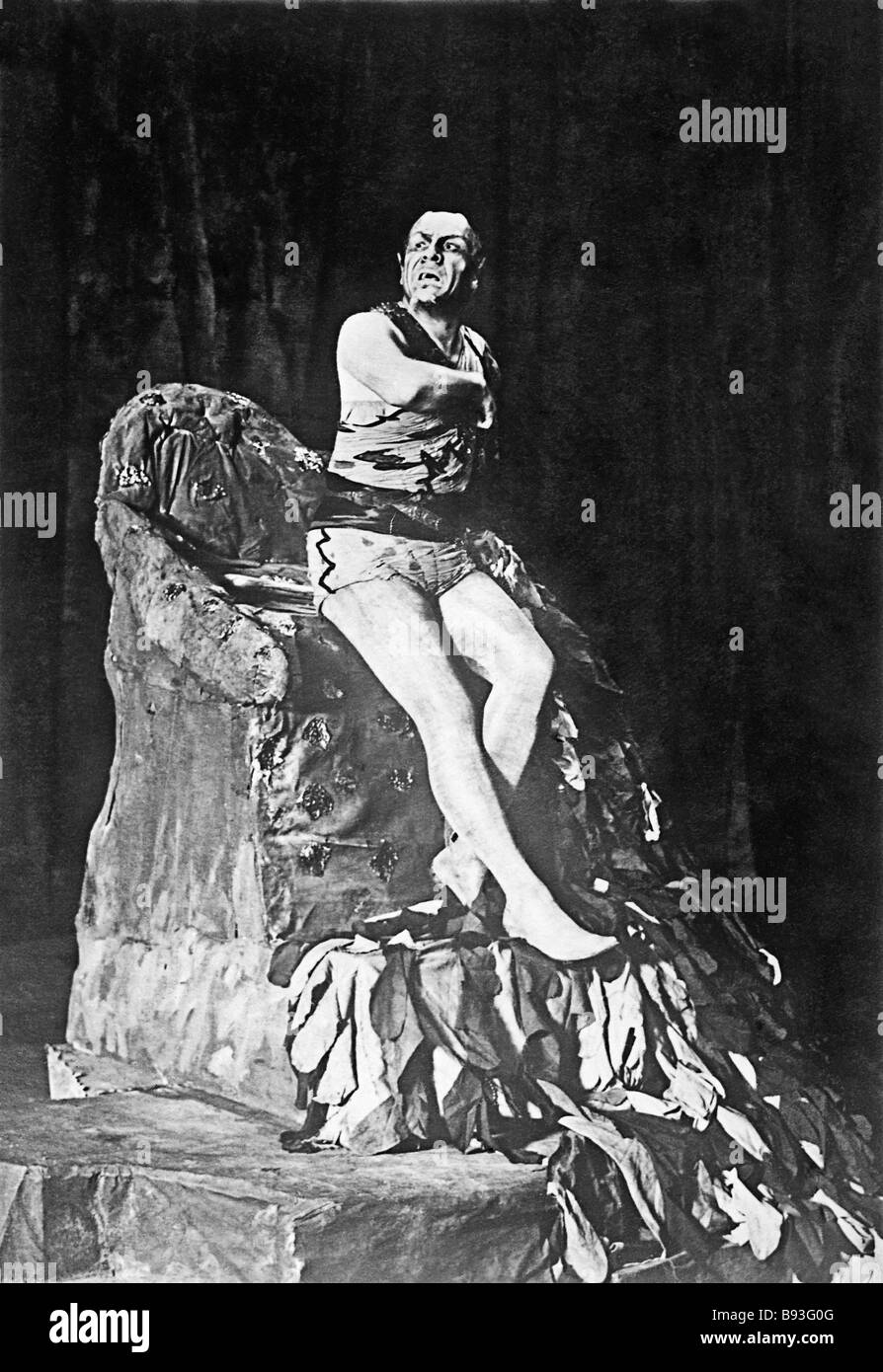 Fyodor Chaliapin as Mephistopheles in the opera Faust by Gounod Stock Photo