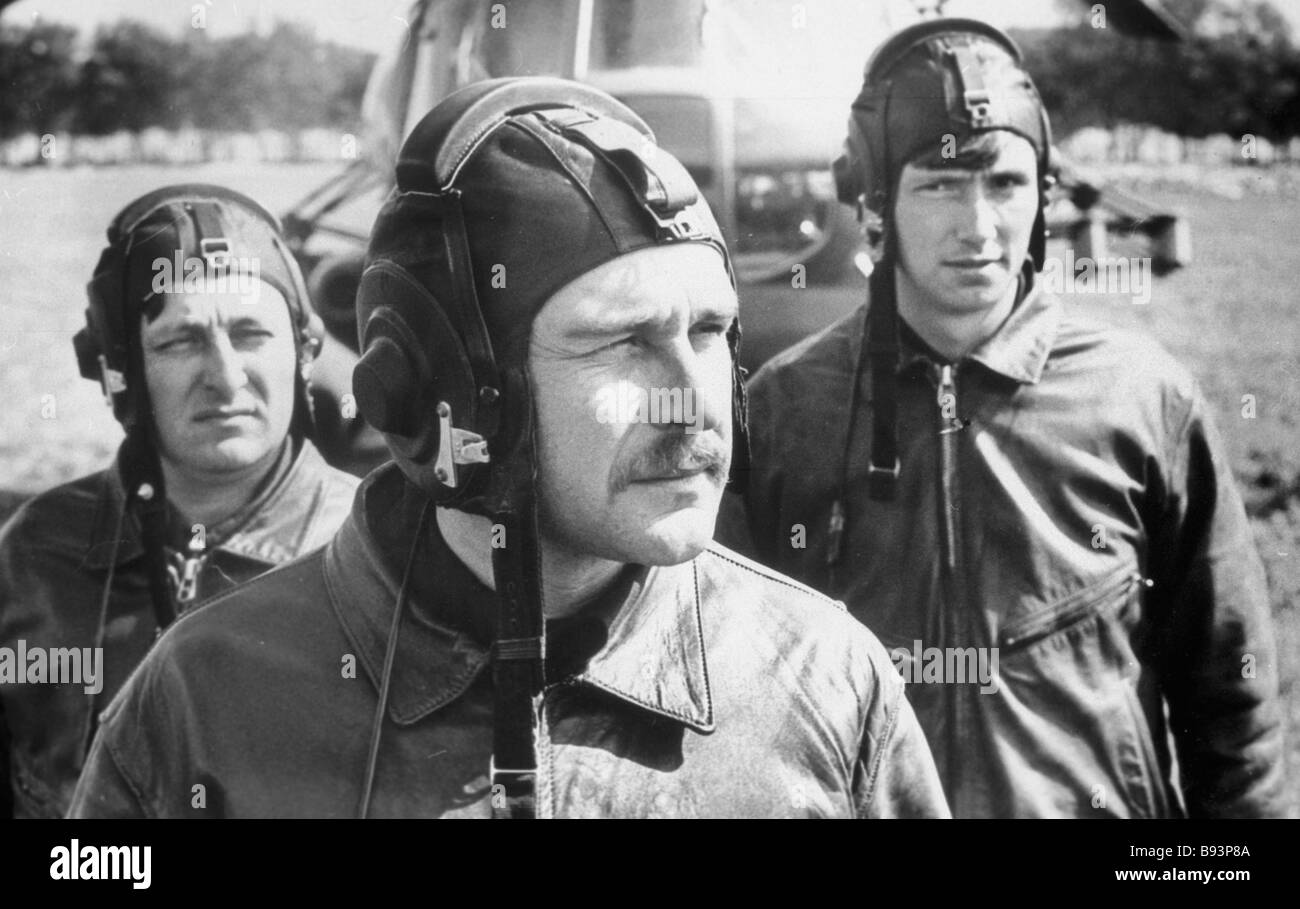 A helicopter crew preparing to fly to the Chernobyl disaster area - Stock Image