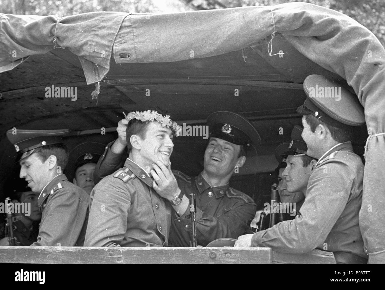 Cadets of the Moscow Mossovet Border Guards Command Higher School of the USSR KGB going to the exercises - Stock Image