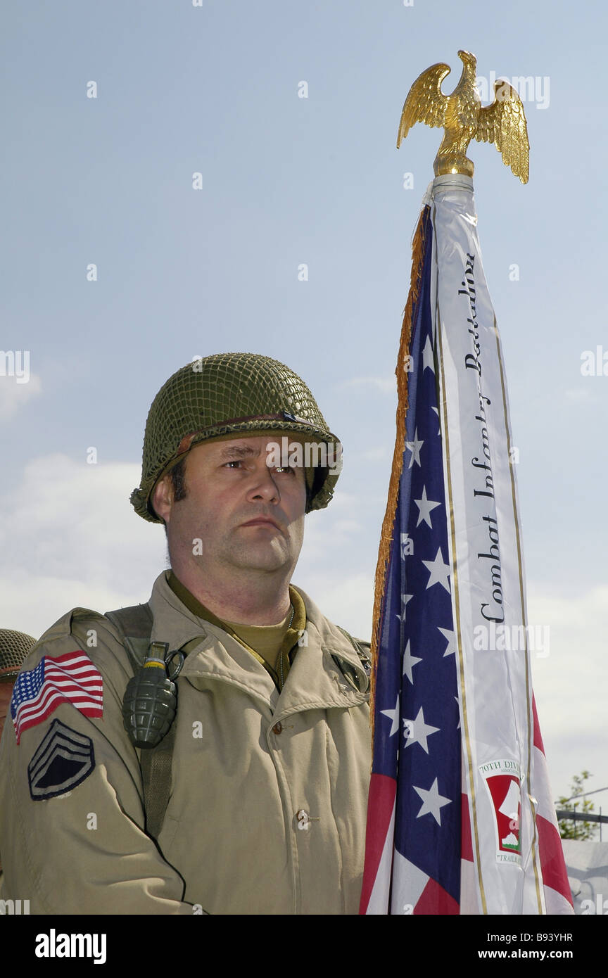 US soldier and flag of Airborne division - Stock Image