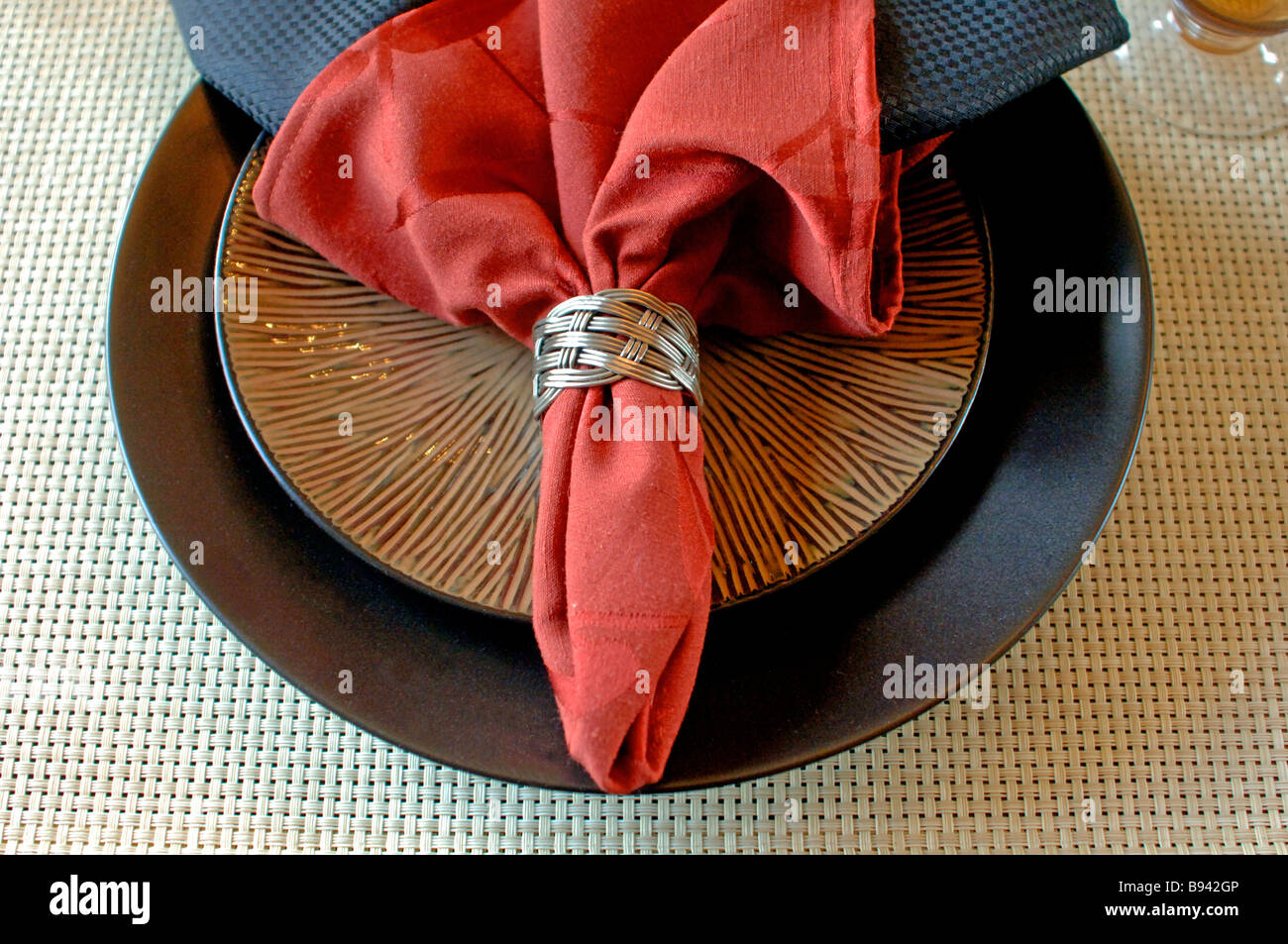 Elegant table setting with place mat cloth napkins and napkin ring & Elegant table setting with place mat cloth napkins and napkin ring ...