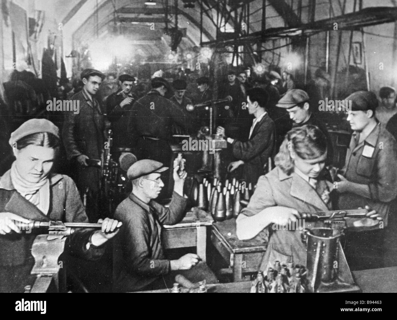 Workers of a Sevastopol plant moved to the gallery making ammunition - Stock Image