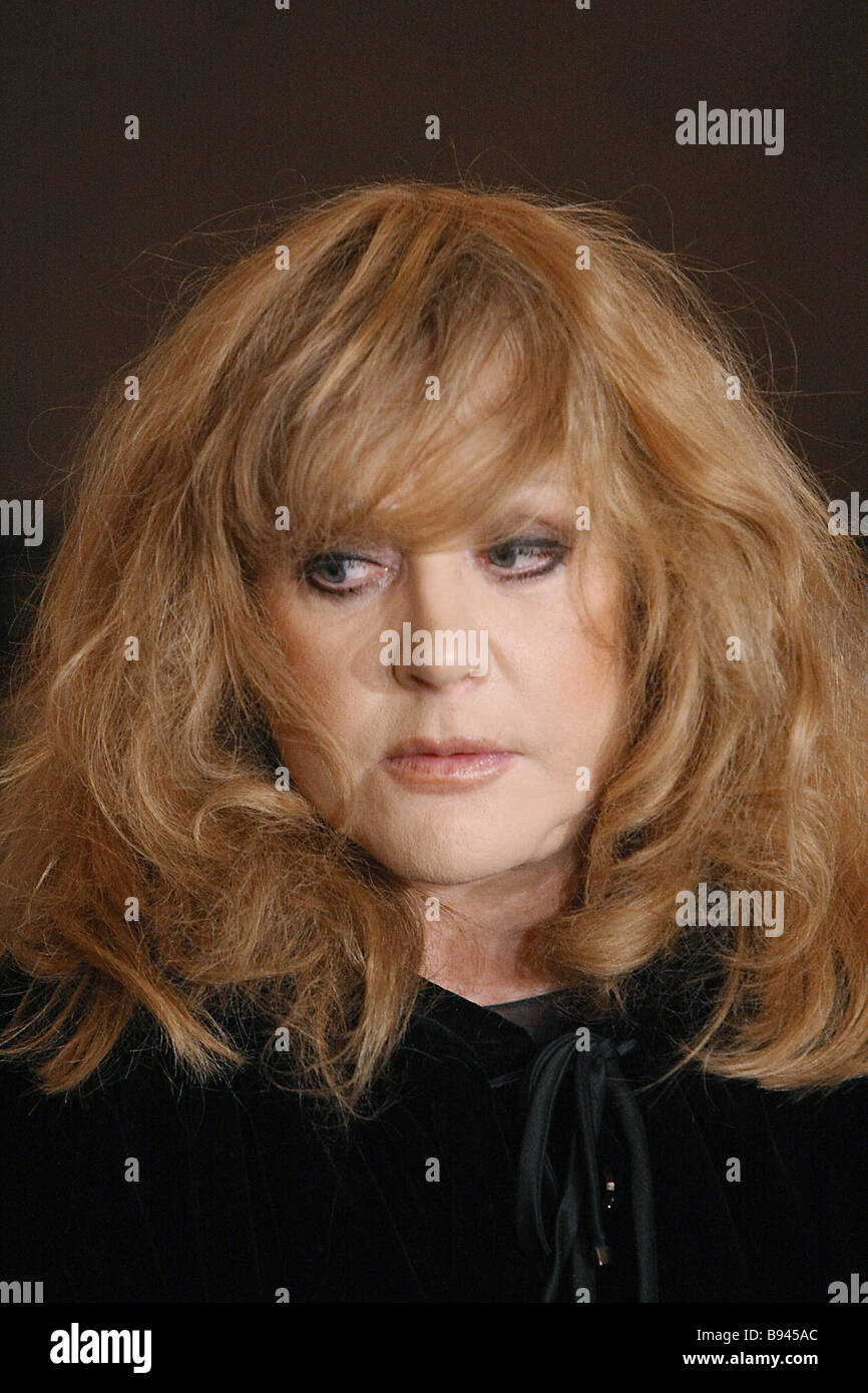 Alla Pugacheva charmed in the image of youth 06/16/2018 72