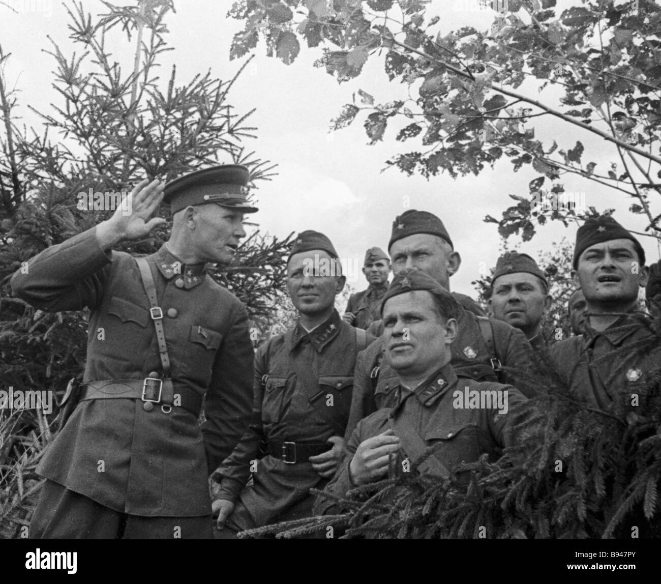 Colonel General Ivan Konev 1st left with the officers Western front - Stock Image