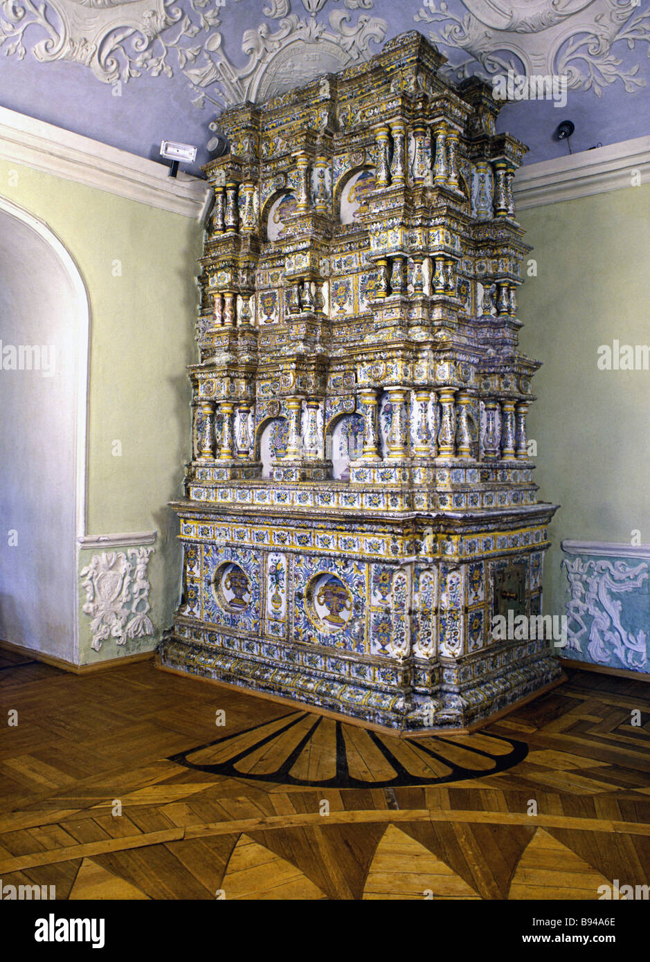 The Trinity Saint Sergius Laura 17th century tile stove at the Tsar s apartment - Stock Image