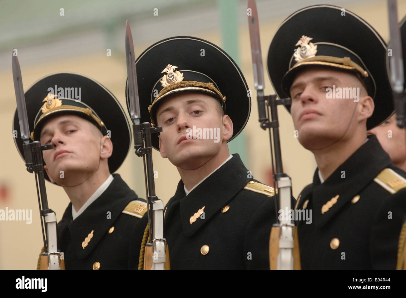 5e290382475 The guard of honor battalion of the Russian Armed Forces has a marching  drill - Stock