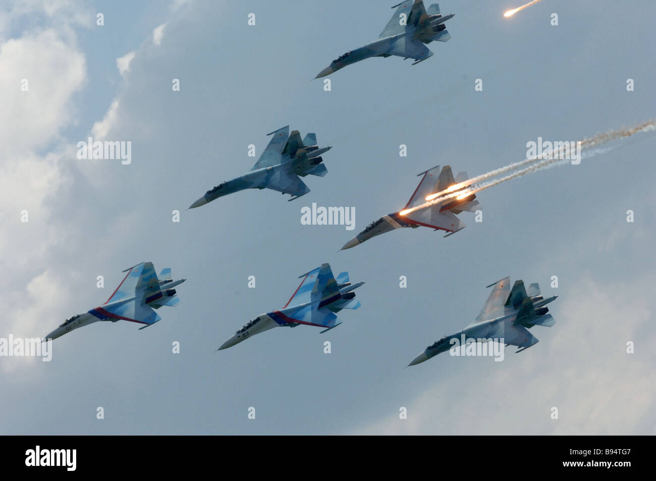 Six SU 27SM fighters of Aircrew Training School 4 Lipetsk performing a group flight at the 5th International Exhibition - Stock Image