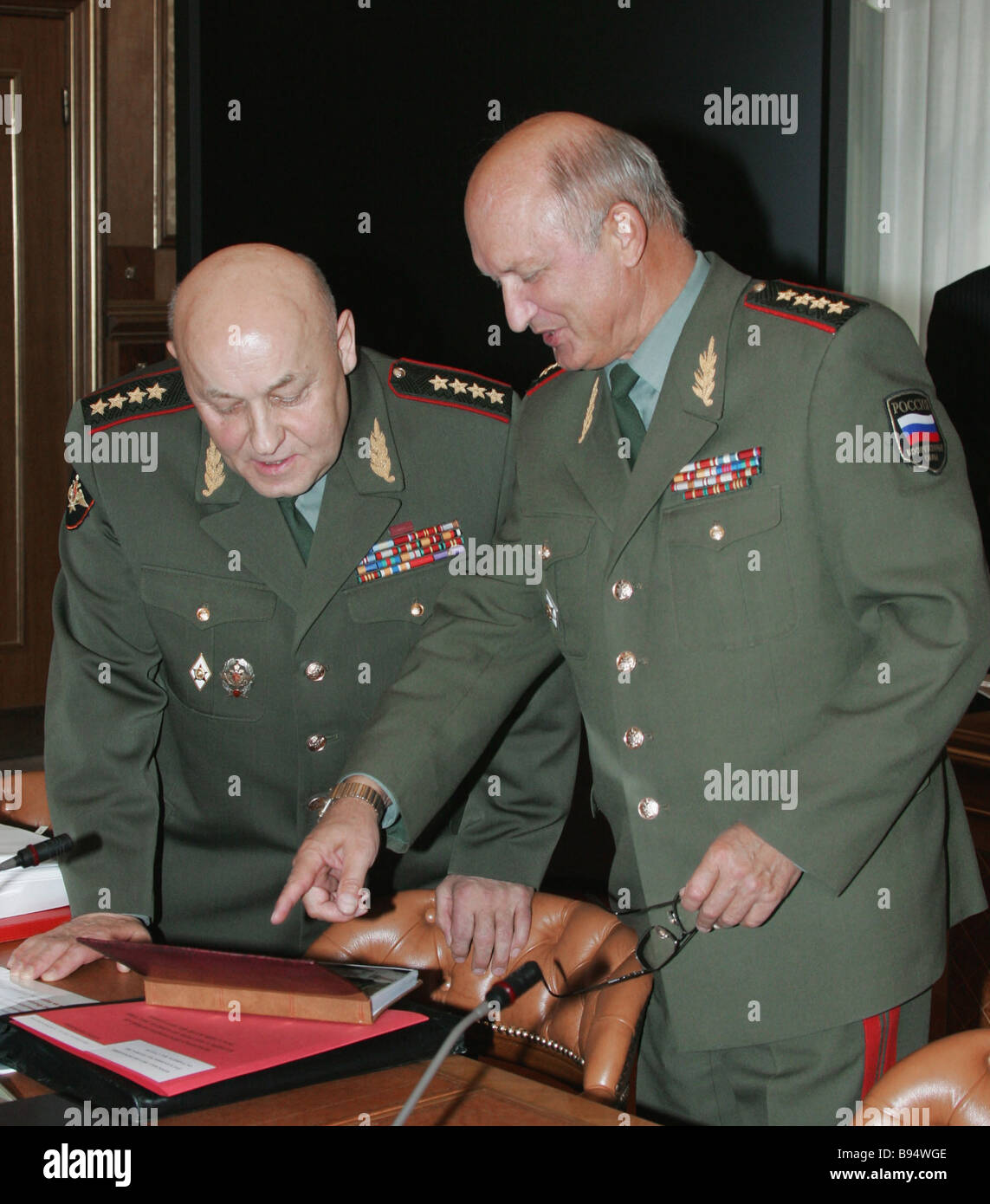 Deputy Defense Minister and head of the Armaments Board Army General Alexei Moskovsky chief of the General Staff - Stock Image