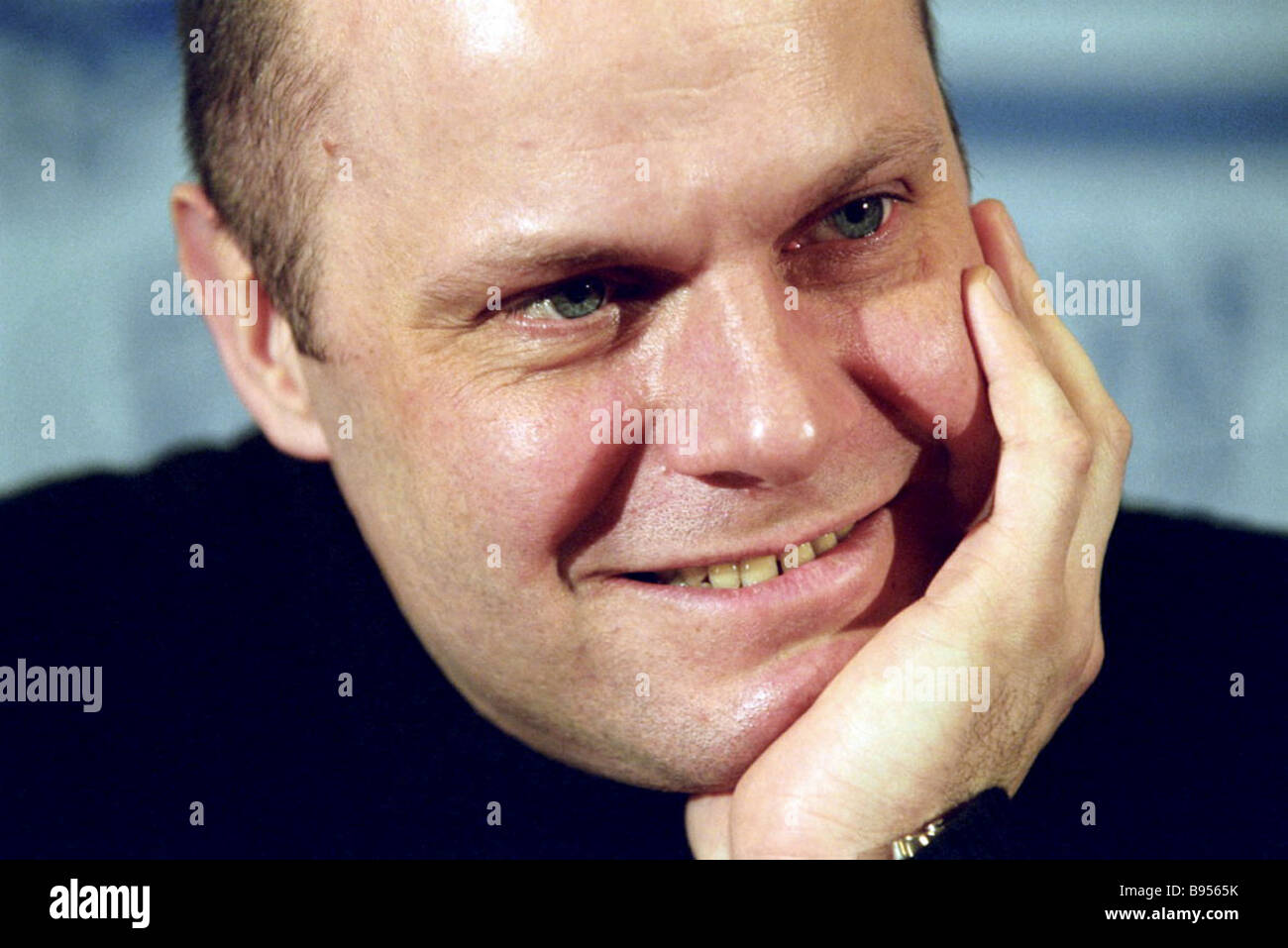 Actor and musician Alexei Kortnev plays the leading role in the Two Different performance after Arkady Averchenko - Stock Image