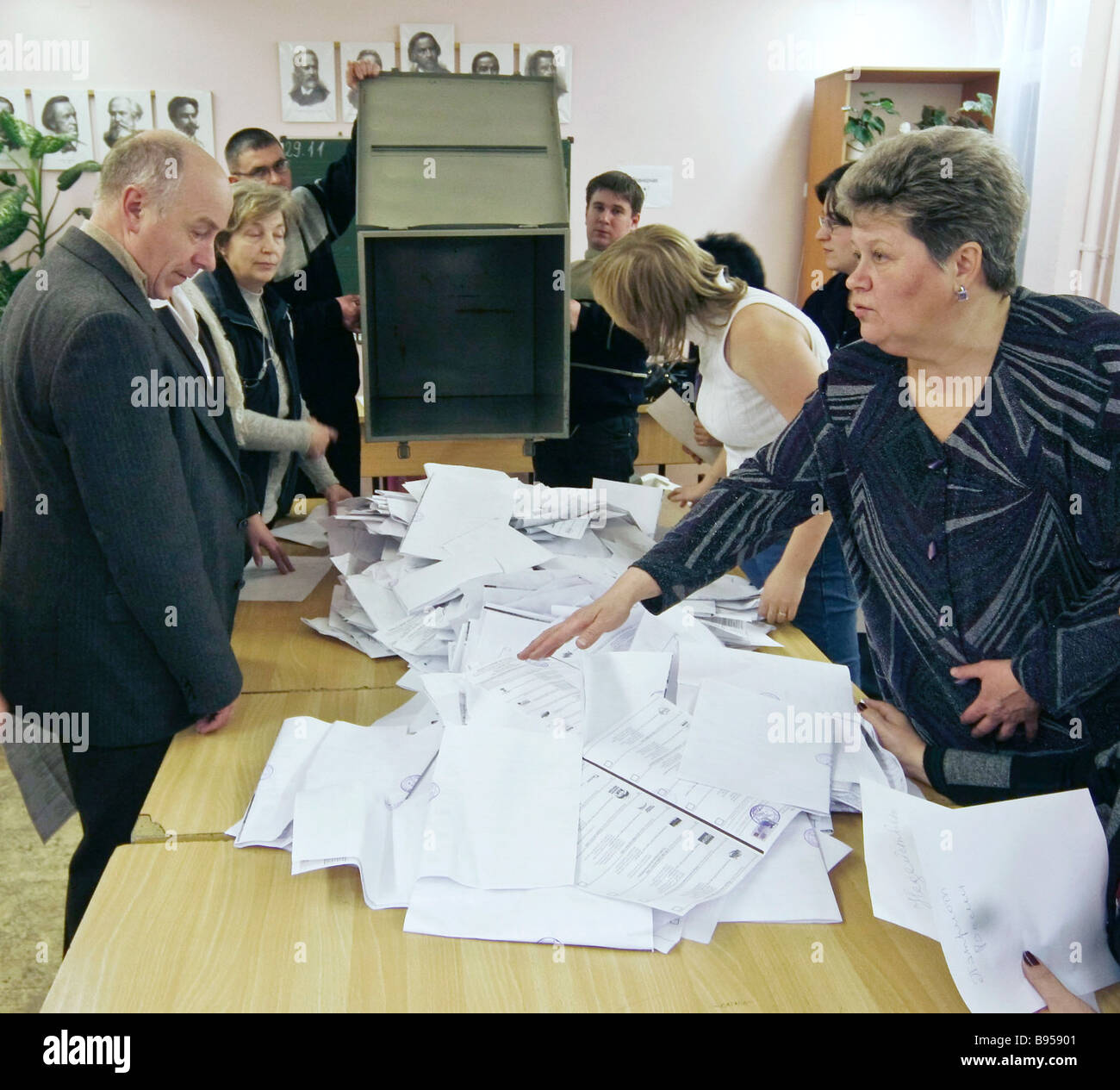 Counting votes at one of the St Petersburg polling stations - Stock Image