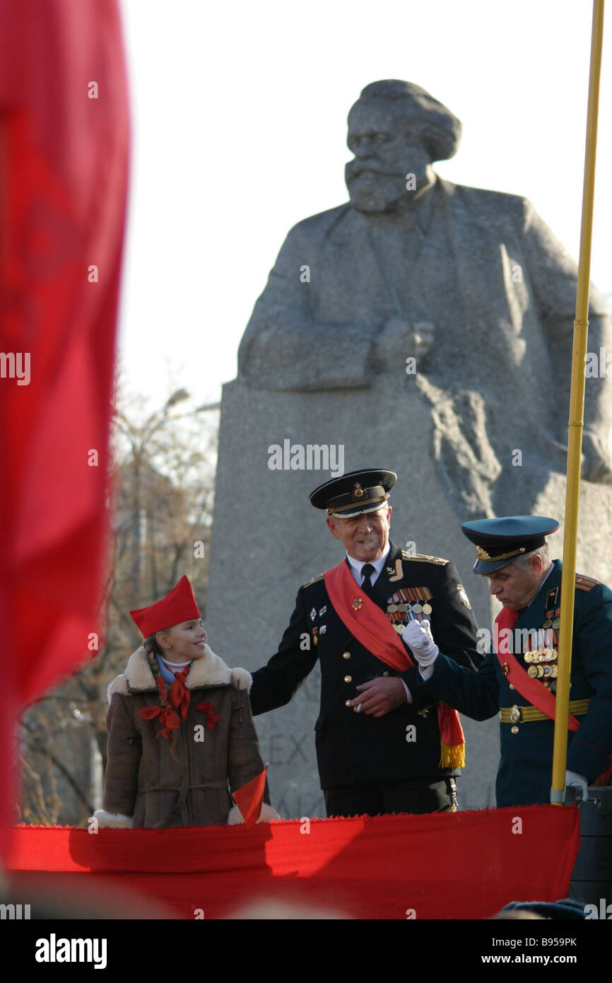 CPRF supporters took part in mass rallies to mark the 87 th Anniversary of the Great October revolution on the Day - Stock Image