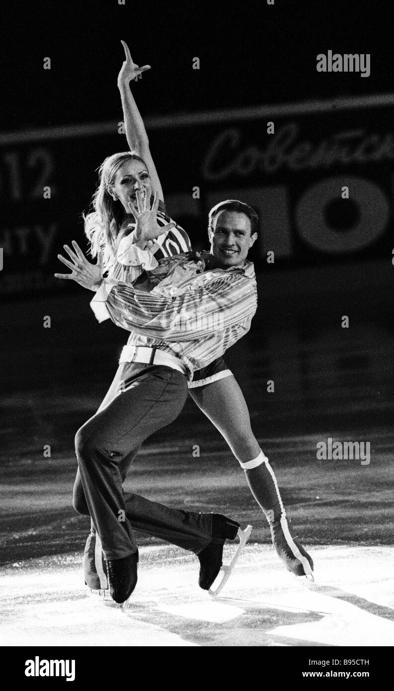 Winners of the sixth stage in figure skating Grand Prix of the Cup of Russia Russian free dance duet Tatiana Navka - Stock Image
