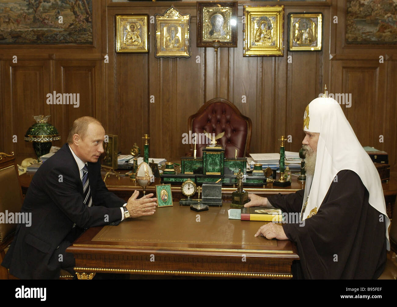Russian President Vladimir Putin left meeting with Patriarch Alexy II of Moscow and All Russia - Stock Image