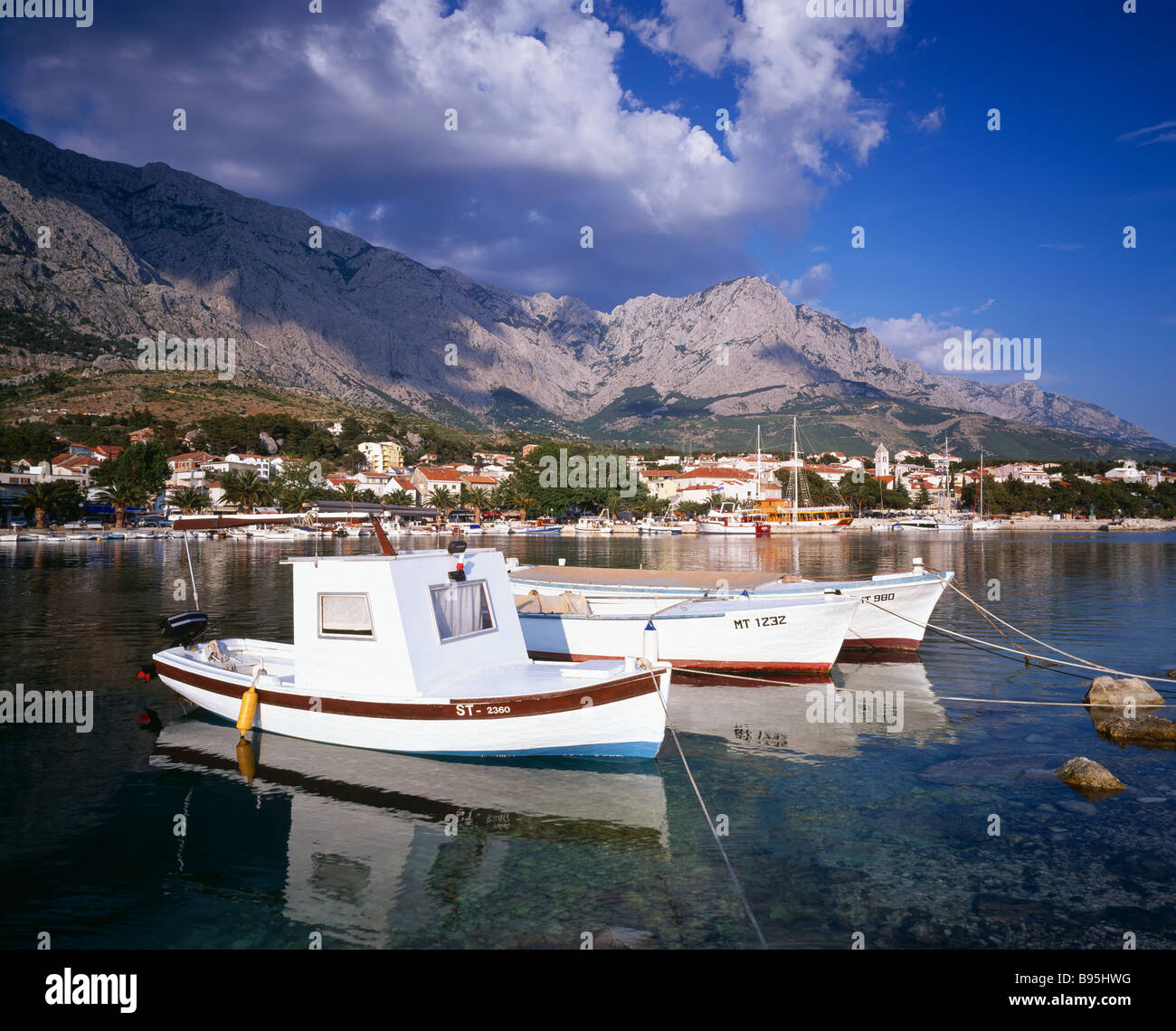 Boats in the harbour of Baska Voda on the Makarska Riviera, Dalmatia, Croatia. - Stock Image