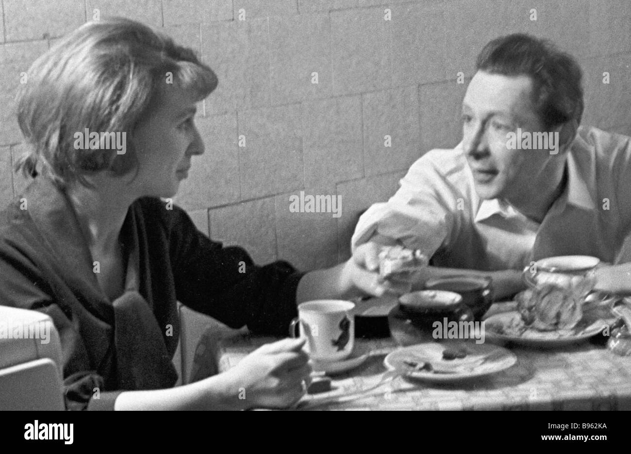 People s Artist of the Russian SFSR Oleg Yefremov director of the Moscow Sovremennik Studio Theater and his wife - Stock Image