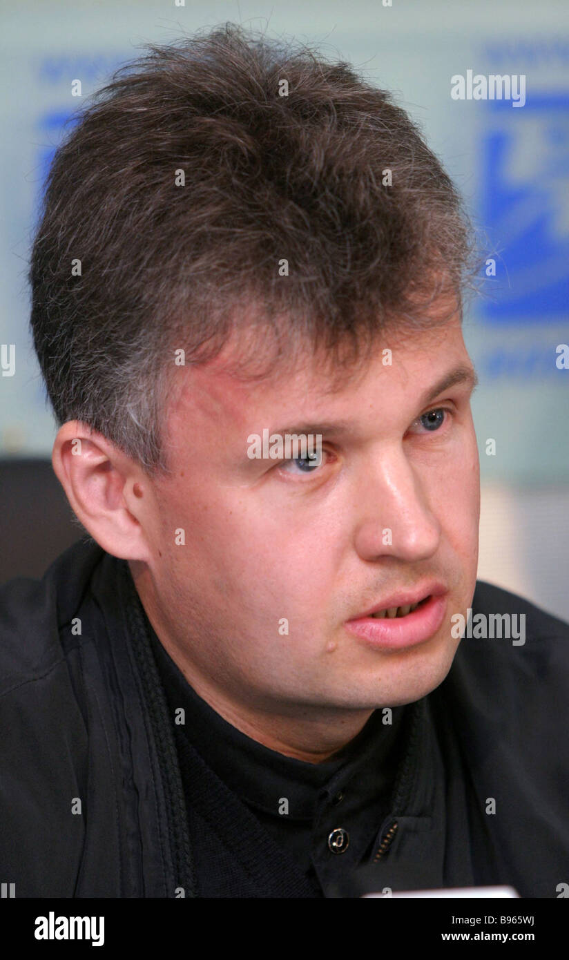 This is Alexey Gusev, the son of the chief editor of the newspaper Moskovsky Komsomolets. And he beats a woman