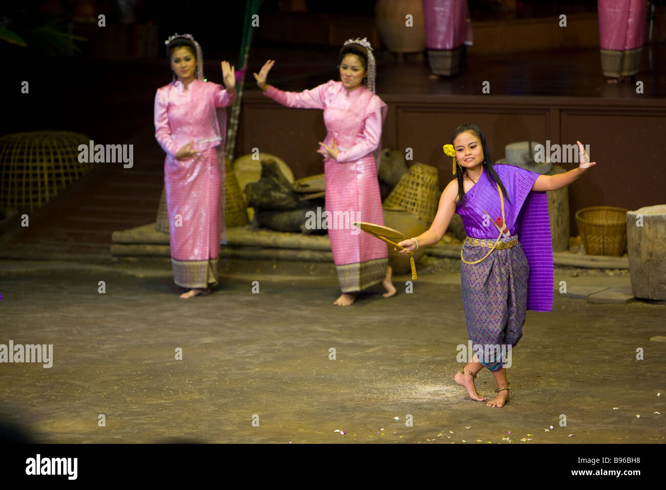 Dancers at Bangkok Rose Garden and Cultural center about 30 Stock ...