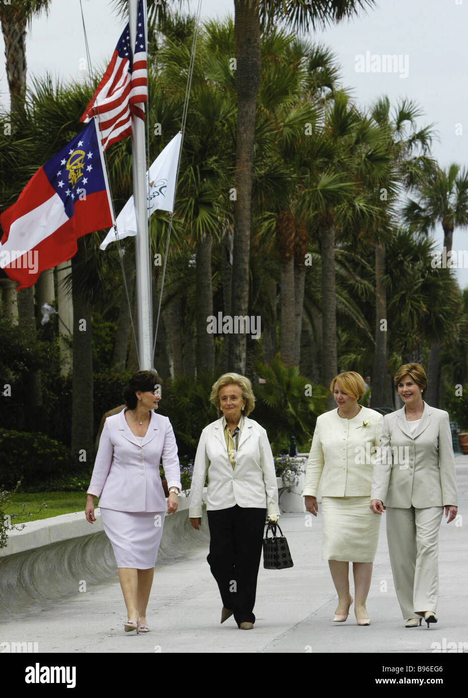 Cherie Blair Bernadette Chirac Lyudmila Putin and Laura Bush attend meeting of G8 leaders wives - Stock Image