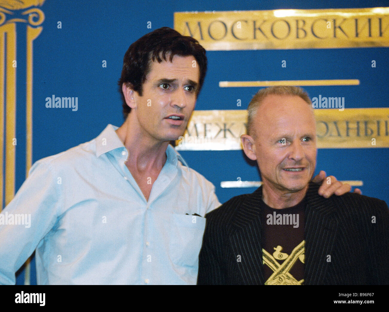 British actor Rupert Everett left and film director Marek Kanevska USA at a news conference held during the 26th - Stock Image