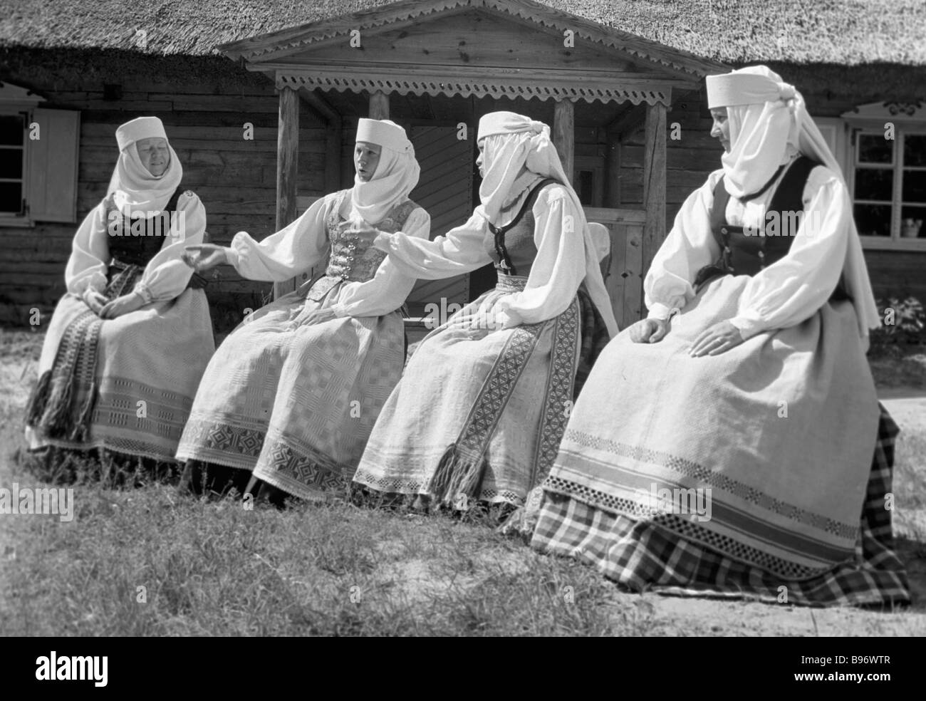 Folk song concert at the Lithuanian open air ethnography museum - Stock Image
