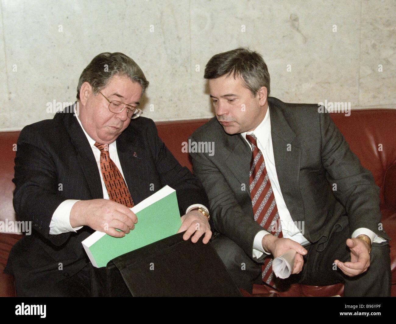 Rem Vyakhirev Gazprom board chairman and Vagit Alekperov LUKoil president - Stock Image
