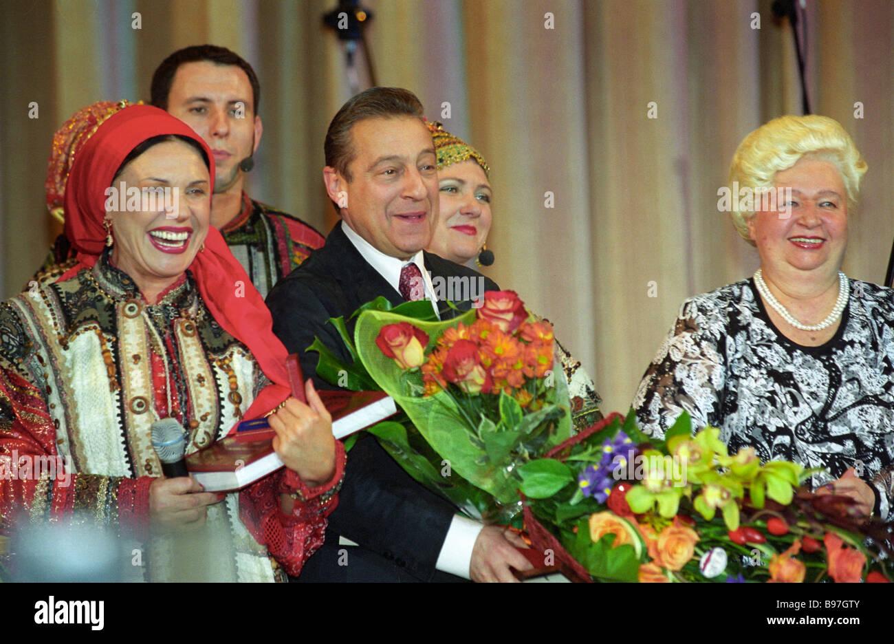 Nadezhda Babkina took a young lover to Paris 01/12/2014 44