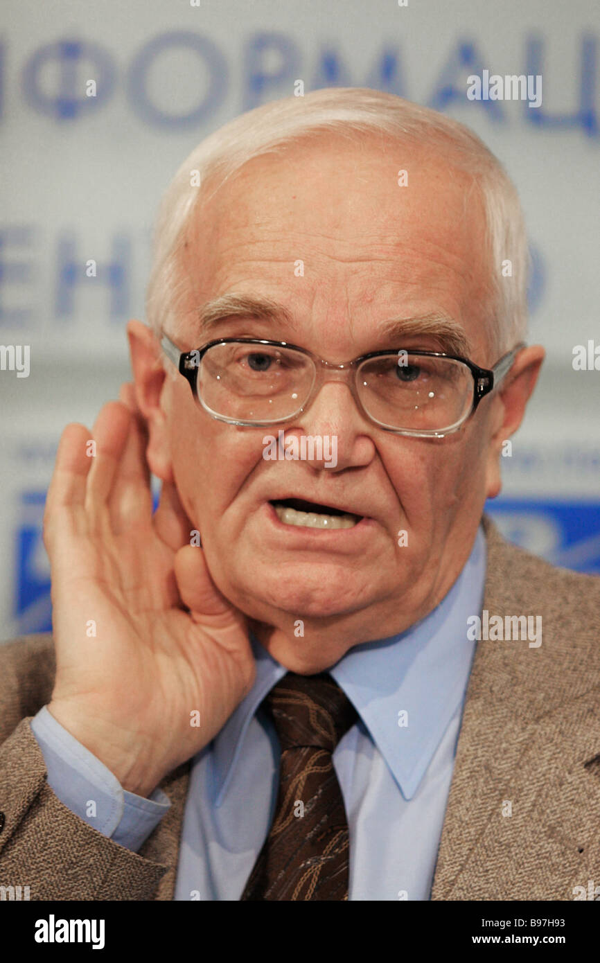 Director of the institute of Philosophy Member of the Russian Academy of sciences Vyacheslav Stepin at a news conference - Stock Image
