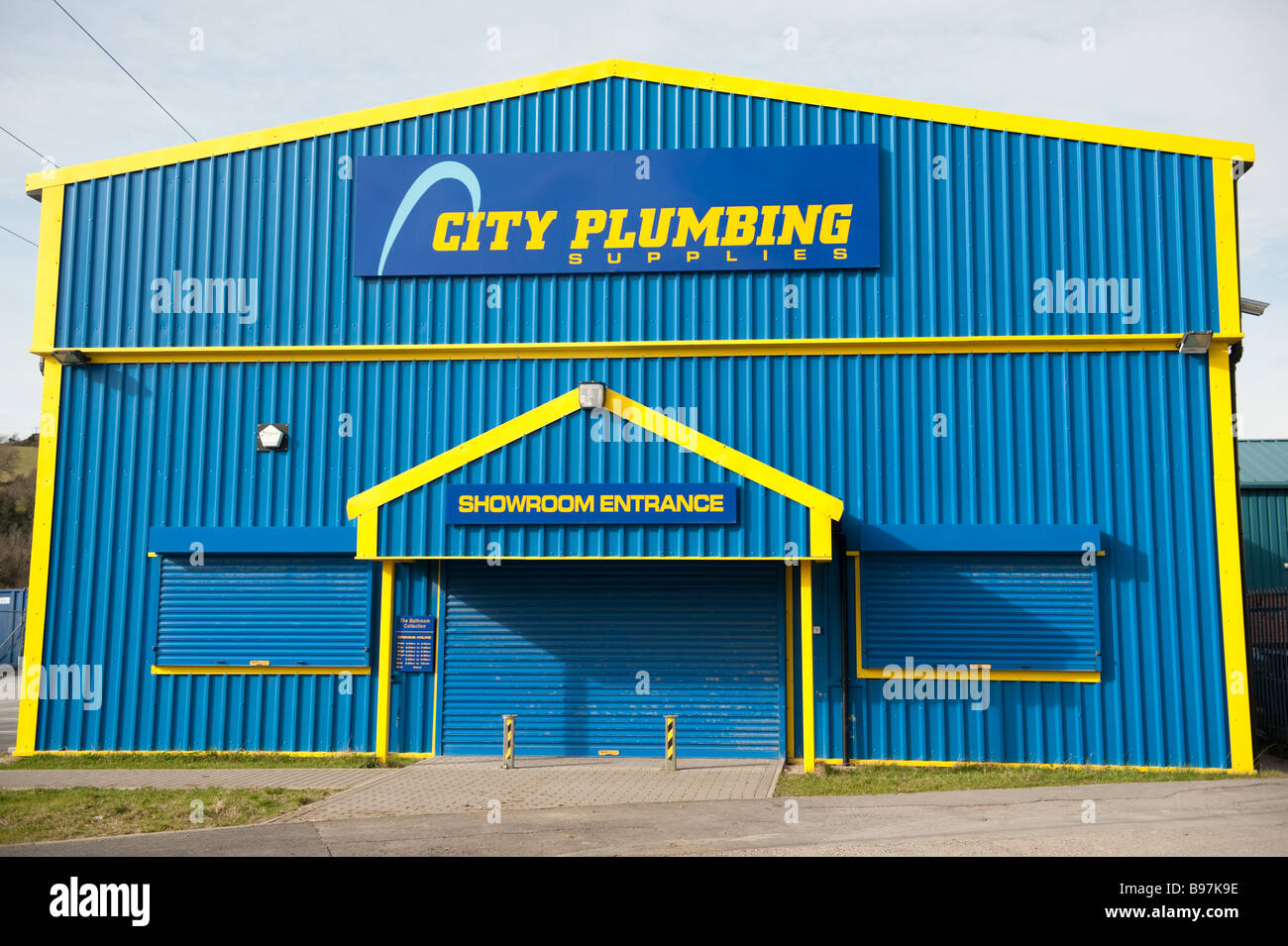 City Plumbers plumbing supplies merchants warehouse, closed - Stock Image