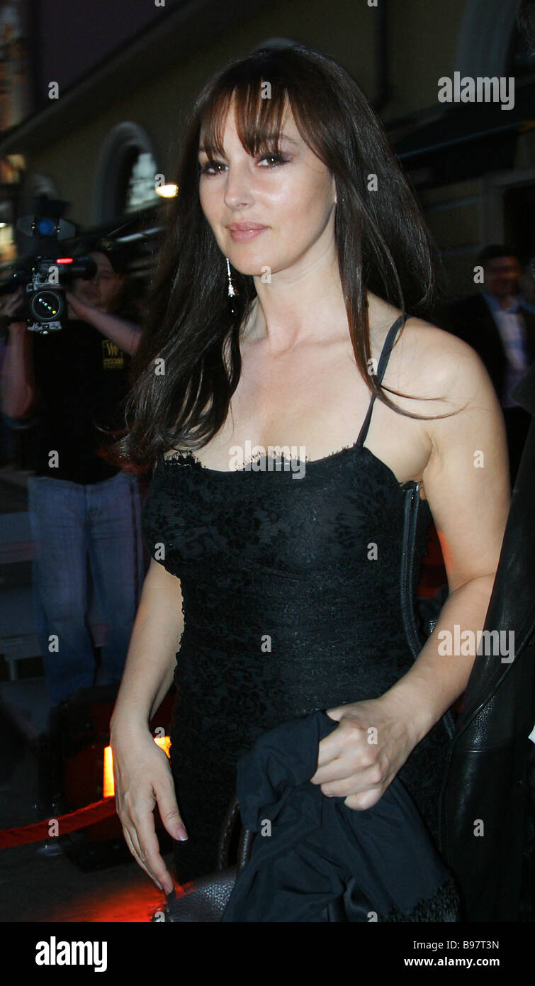 Actress Monica Bellucci entering the GQ Bar - Stock Image