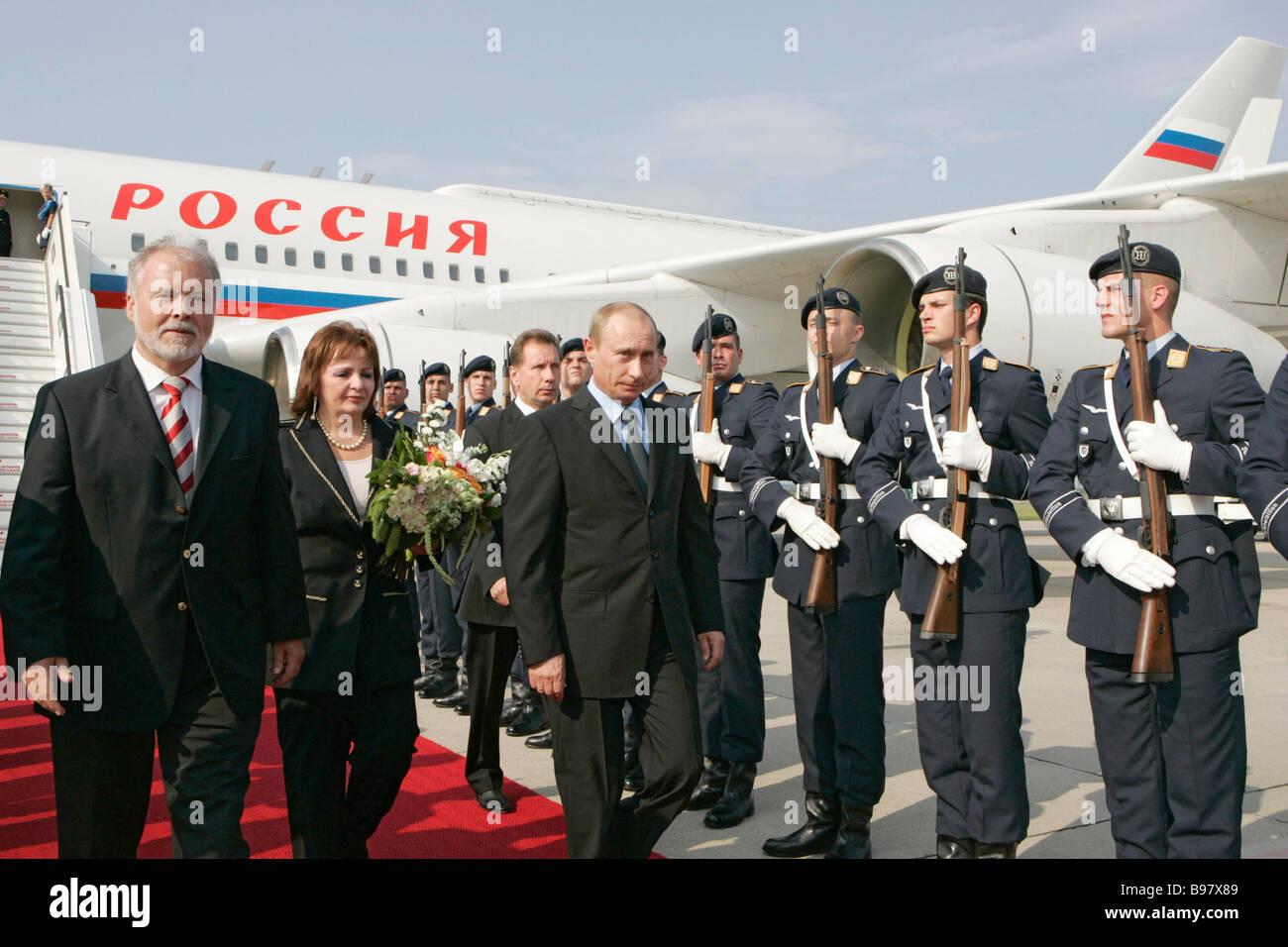 Prime Minister of Mecklenburg West Pomerania Harald Ringsdorf left meeting Russian President Vladimir Putin right - Stock Image