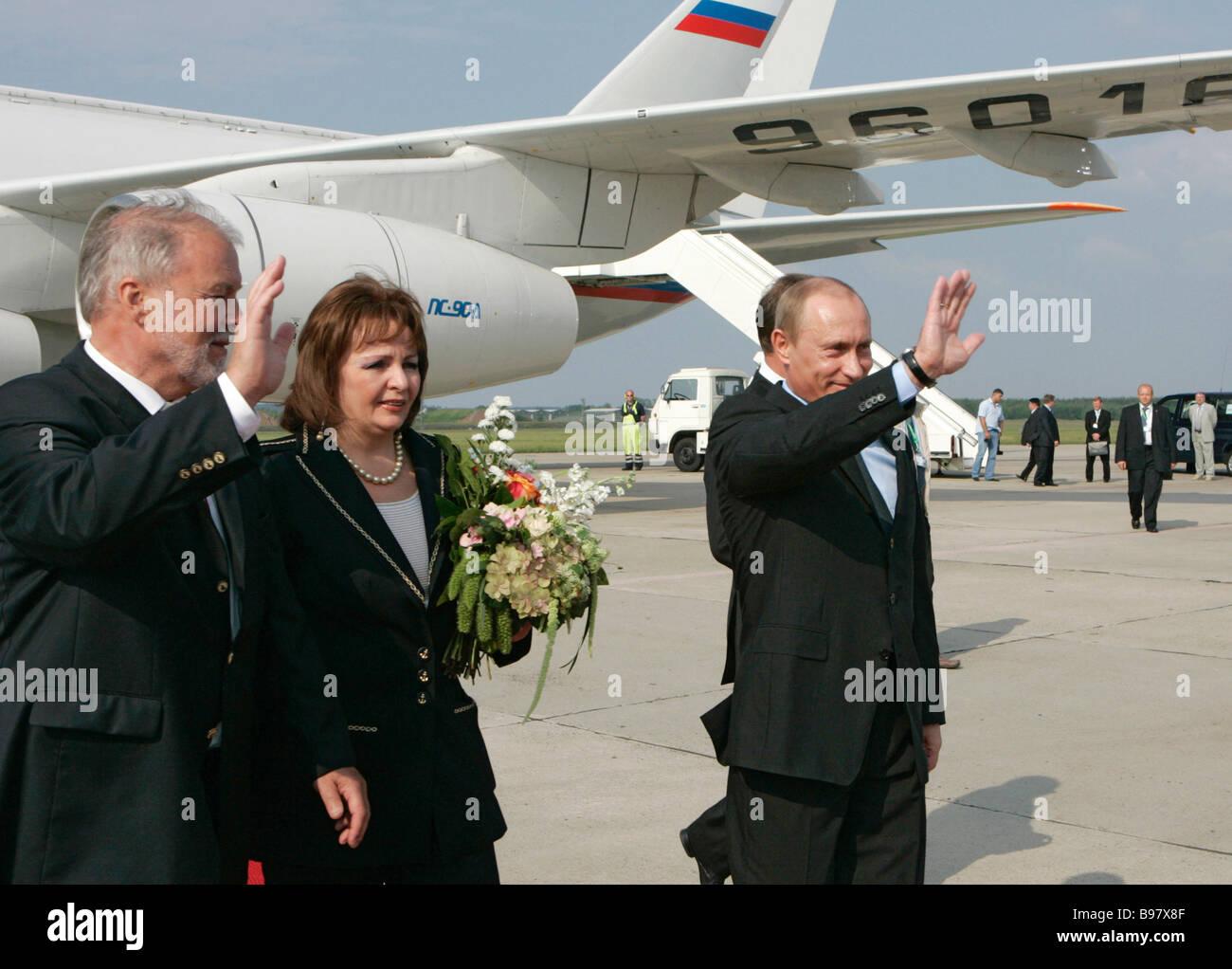 Prime Minister of Mecklenburg West Pomerania Harald Ringsdorf left meeting Russian President Vladimir Putin and - Stock Image