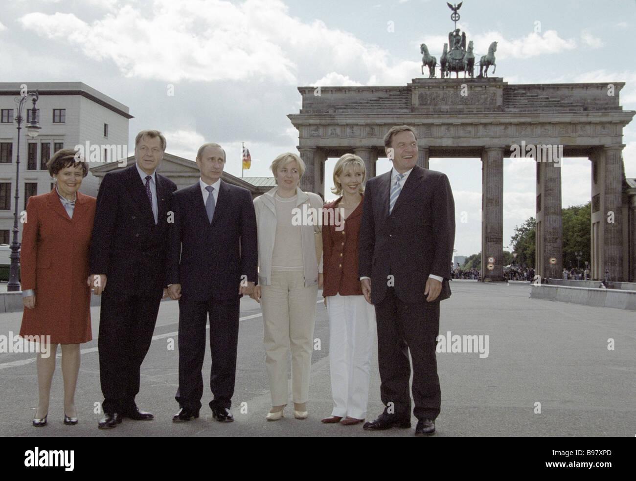 Berlin s Mayor Eberhard Diepgen Russia s president Vladimir Putin and Germany s chancellor Gerhard Schroeder with - Stock Image