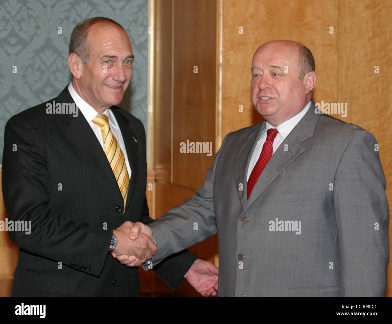 Russian Prime Minister Mikhail Fradkov right met with Israeli First Deputy Prime Minister Ehud Olmert in the Government - Stock Image