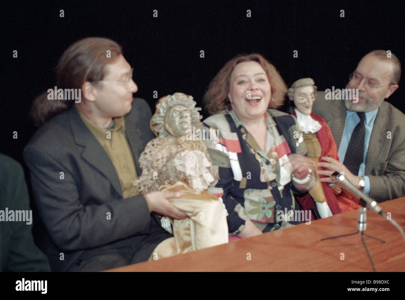 Catherine Obraztsova centre the director of the puppet show production The Dame of Spades adapted from Pushkin s - Stock Image