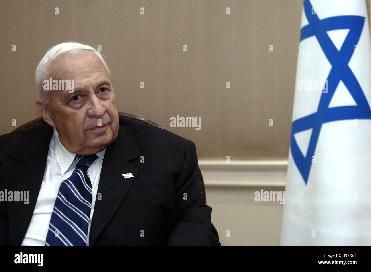 Israel s Prime Minister Ariel Sharon in conference during UN member states summit - Stock Image
