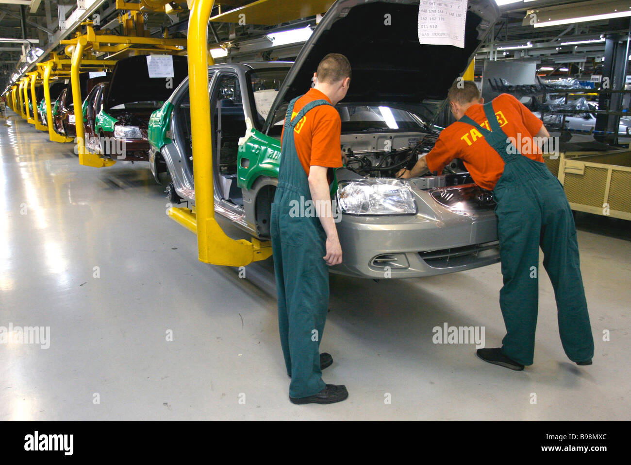A shop at the Taganrog car manufacturing plant where Korean jeeps Hyundai Santa Fe Classic are produced - Stock Image