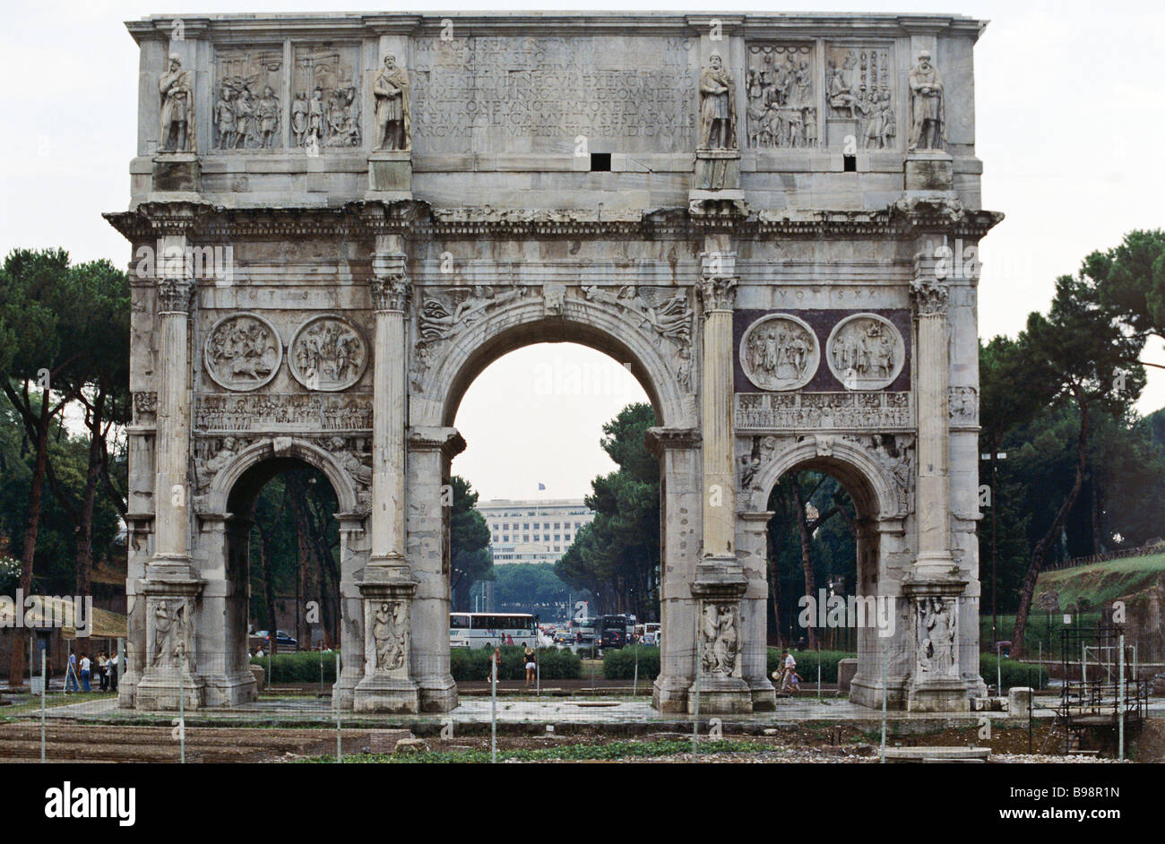 The Arch of Emperor Constantine built in 312 near the Coliseum - Stock Image