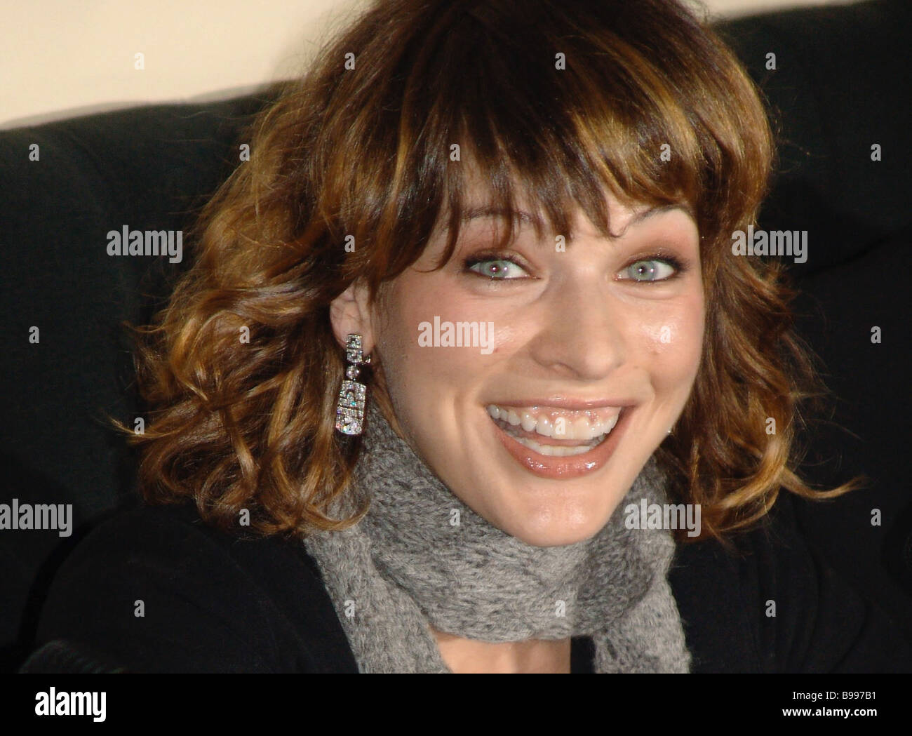 Mila Jovovich Hollywood actress and model during a news conference in a Moscow Vouge cafe - Stock Image