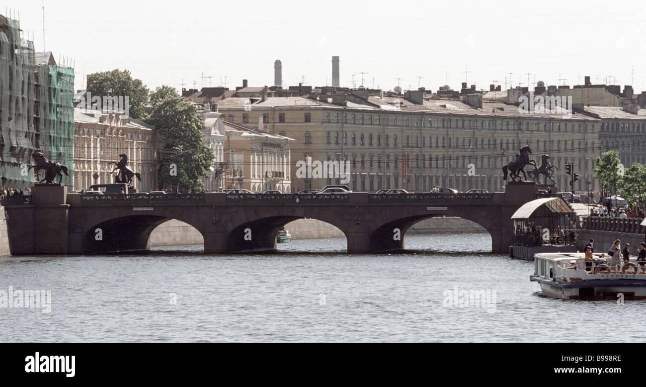 The Anichkov Bridge spanning the Fontanka River - Stock Image