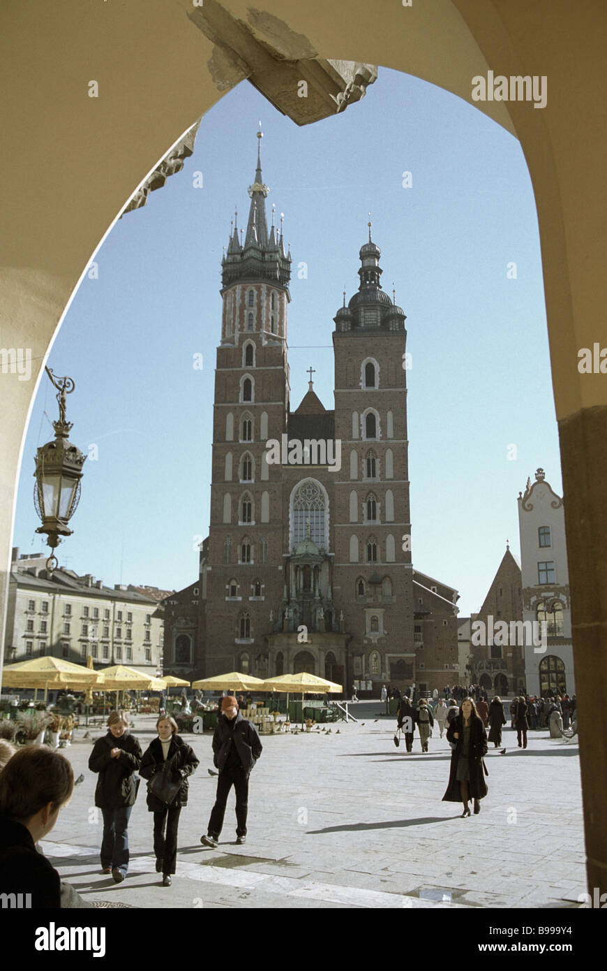 St Mary s Church Kosciol Mariacki in the Central Market square - Stock Image